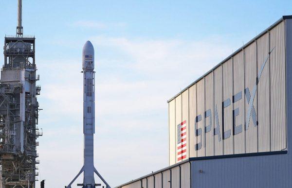 spacex запускает спутники для интернета в сша
